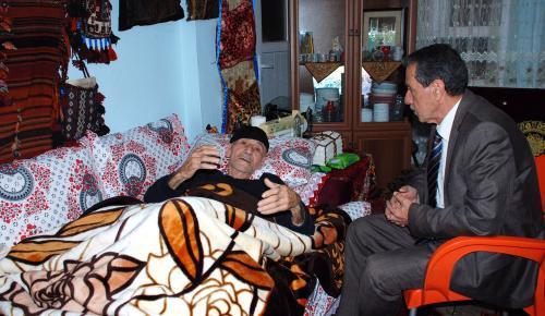Kore Gazisini Hasta Yatağında Ziyaret Etti