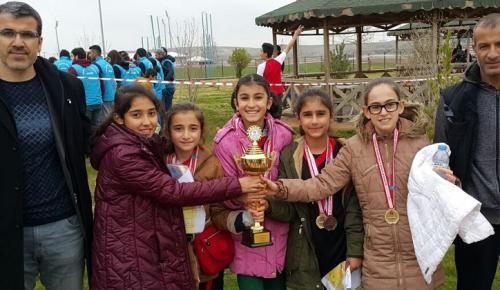 Gazi Ortaokulu 4 Madalya ile Döndü