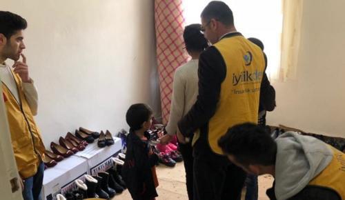 İyilik-Der'den Yetim Çocuklara Giyim Yardımı