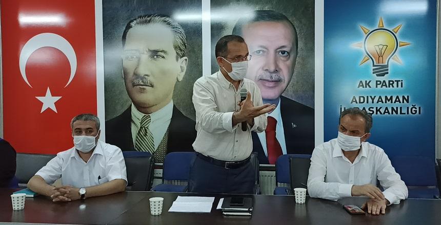 AK Parti'de 'Sarmalık Kıyılmış Tütün' Toplantısı