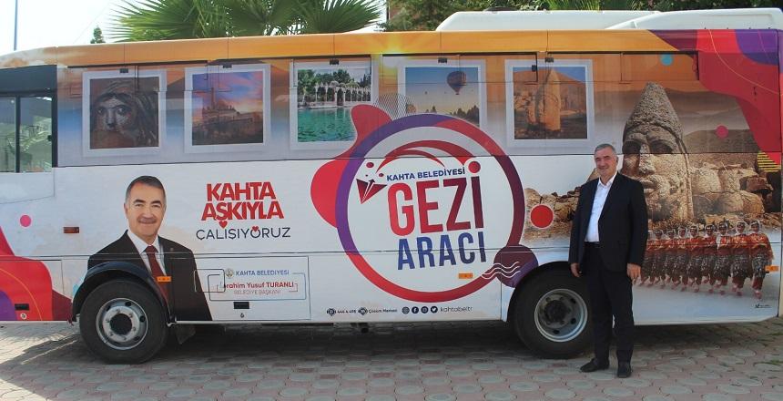 Kahta Belediyesi'nden Ücretsiz Gezi Aracı